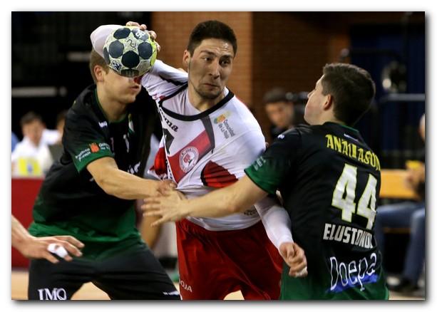 Kukic, siempre intenso, busca lanzamiento. Foto: Juan Marín
