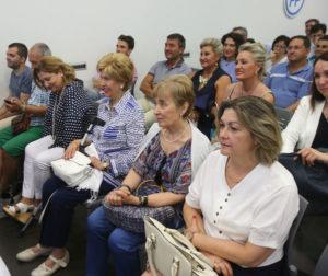 Afiliados del PP, durante un acto electoral en su sede con el candidato García-Hernández. Foto de Juan Marín