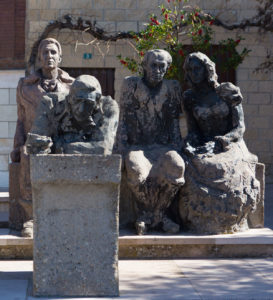 Monumento a los alcaldes en Santa Coloma. Foto de Sonia Tercero